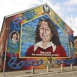 Bobby Sands mural on Shin Fein building
