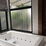 Jaccuzi Bathtub