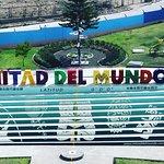 Mitad Del Mundo ภาพถ่าย