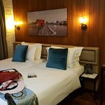 Deluxe King room but I request for 2 single bed