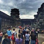 Queue to upper temple