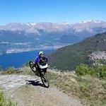 Spettacolare discesa dall'Alpe Giumello fino a Dervio