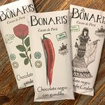 Bonaris Chocolate made with cocoa from small producers in Peru. Chocolate 100% natural