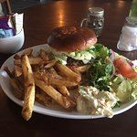 Soggy, bendy non-crispy chips and a depressingly crisp burger bun! Not good...