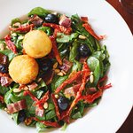 Spinach and Fried Goat Cheese Salad