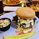 BrewBurger's Pub and Grill resmi