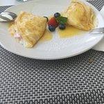 Crepes de mascarpone con fresas y neranja un buen postre para ponerle un buen cierre ala comida