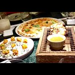 Pizza and appetizers ...