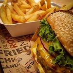 Hamburguesa con fritas