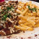 assiette au poulet et frites