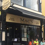 Mac's of Main Street resmi