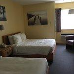 Room 21 - Standard 2 Double Beds