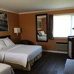 Room 16 - Deluxe 2 Double Beds
