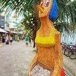 Galinha marisqueira,feita em raíz de coqueiro.