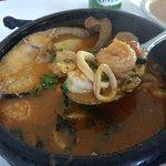 Caldeirada de frutos do mar com arroz e pirão. R$115 (maio\2018)