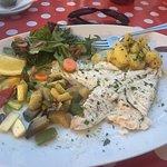 Kalbsbäckchen mit hausgemachter Polenta und Dorade mit Gemüse und Kartoffeln ! Ein Traum👍👍