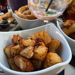 Home-made chunky chips