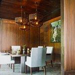 Cozy Meeting Room