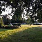 petit parc en face de l'hotel