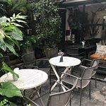 Nom Nom Restaurant & Cafe ภาพถ่าย