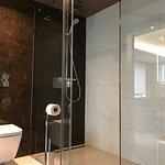 Park-Hotel: suite larger bathroom