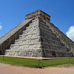Pirâmide de Kukulcan, ou el caetillo. Referente à serpente emplumada.