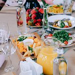 Все гости отдельно отметили еду, т.к. было действительно очень вкусно и красиво!