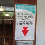 ประตูทางเข้าห้องฟิตเนส สามารถใช้คีย์การ์ดห้องพักเปิดเข้ามาเล่นได้ตลอด24ชั่วโมงครับ