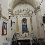 Фото 5. Боковой алтарь/часовня Девы Марии (слева от главного алтаря)