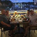 Foto di Sharkey's Pub & Galley Restaurant