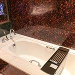角套浴室浴缸