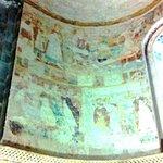 Partie gauche des fresques où l'on distingue assez bien St Laurent sur son grill