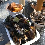 Mussels with wild garlic pesto