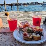 Pub Crawl in Venice - Bacaro Tour