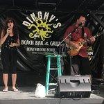 Valokuva: Dinghy's Beach Bar and Grill