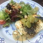 Ziegenkäse an Salat
