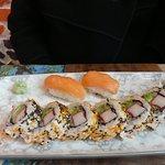 Salmon California Roll (8 pieces + 2 Nigiri)