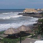 Desde el restaurante la playa de El Zonte. From the restaurant.