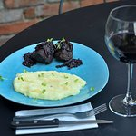 Grilled Sirloin Steak in Saperavi Sauce comes with Mashed Potatoes and Cheese