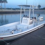 22 foot center console boat
