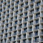 Amigo Free Walking Tours tells the fascinating story of this hotel, Hilton Palacio del Rio.