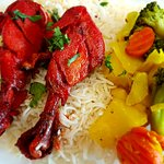 Tandoori Chicken, Rice and mix veggie combo