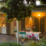 Evelyn Homestead at Willunga alfresco dining area