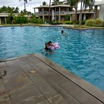 Large and very clean swimming pool with pleasantly cool water even in June end