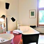 espace de bain et douche de la chambre 34