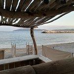 Vue sur la plage et la rade