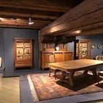 Museum of Decorative Art and Design resmi