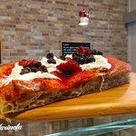 Pizza con farina BIO macinata a pietra e lievito madre naturale