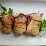 Involtini di trota della Valnerina con pancetta di Cinta Senese e crema di patate viola