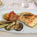 Trancio di Salmone con verdure grigliate